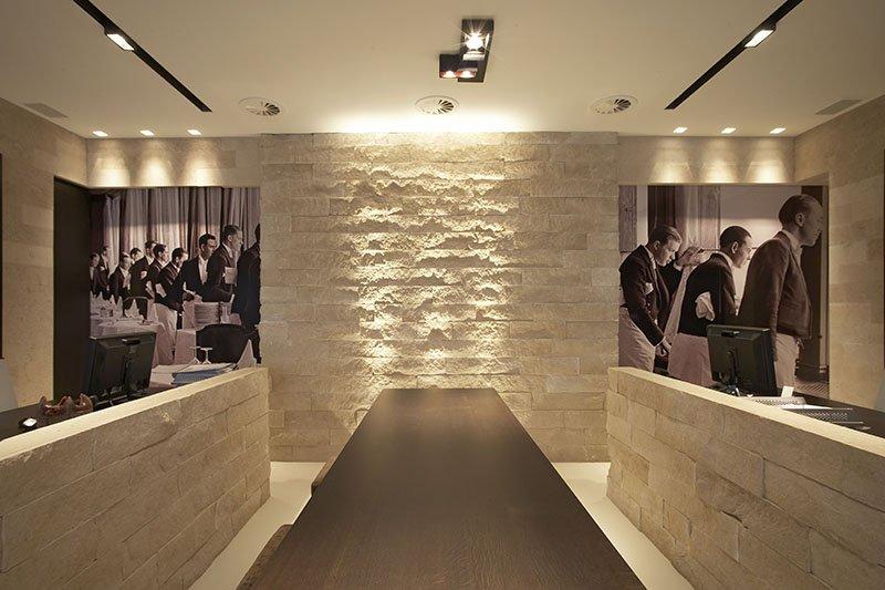 Interieur ontworpen door interieurarchitect Dennis T'Jampens in een tijdloze stijl