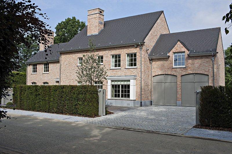 Woning met maatwerk, ontworpen door b+villas in een landelijke stijl