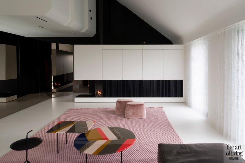 Nieuwbouw, Architects in Motion, Loewe