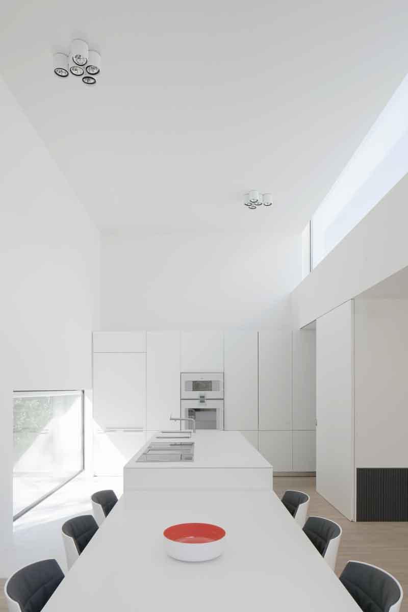 Keuken van Bulthaup, mat gelakt laminaat, Gaggenau, Strak en minimalistisch, Beckers Noyez