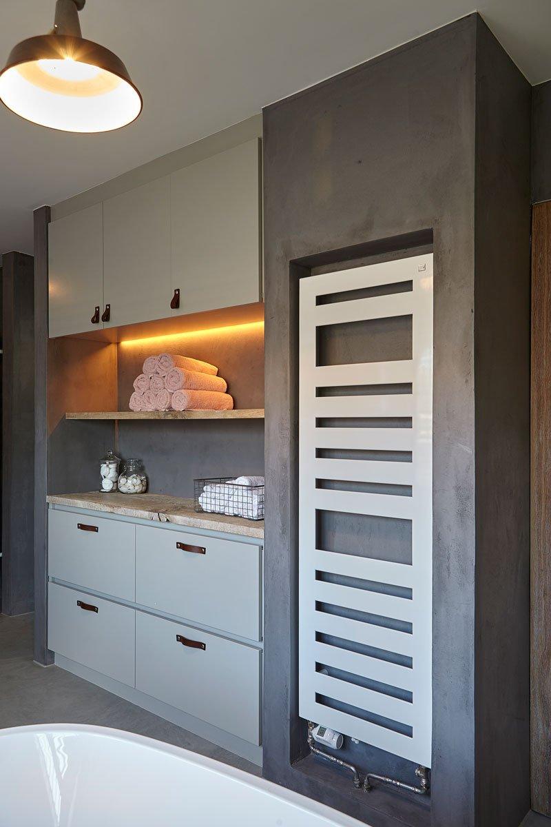 Badkamer, ontworpen door Stalen Deuren Huys, Kijkwoning,
