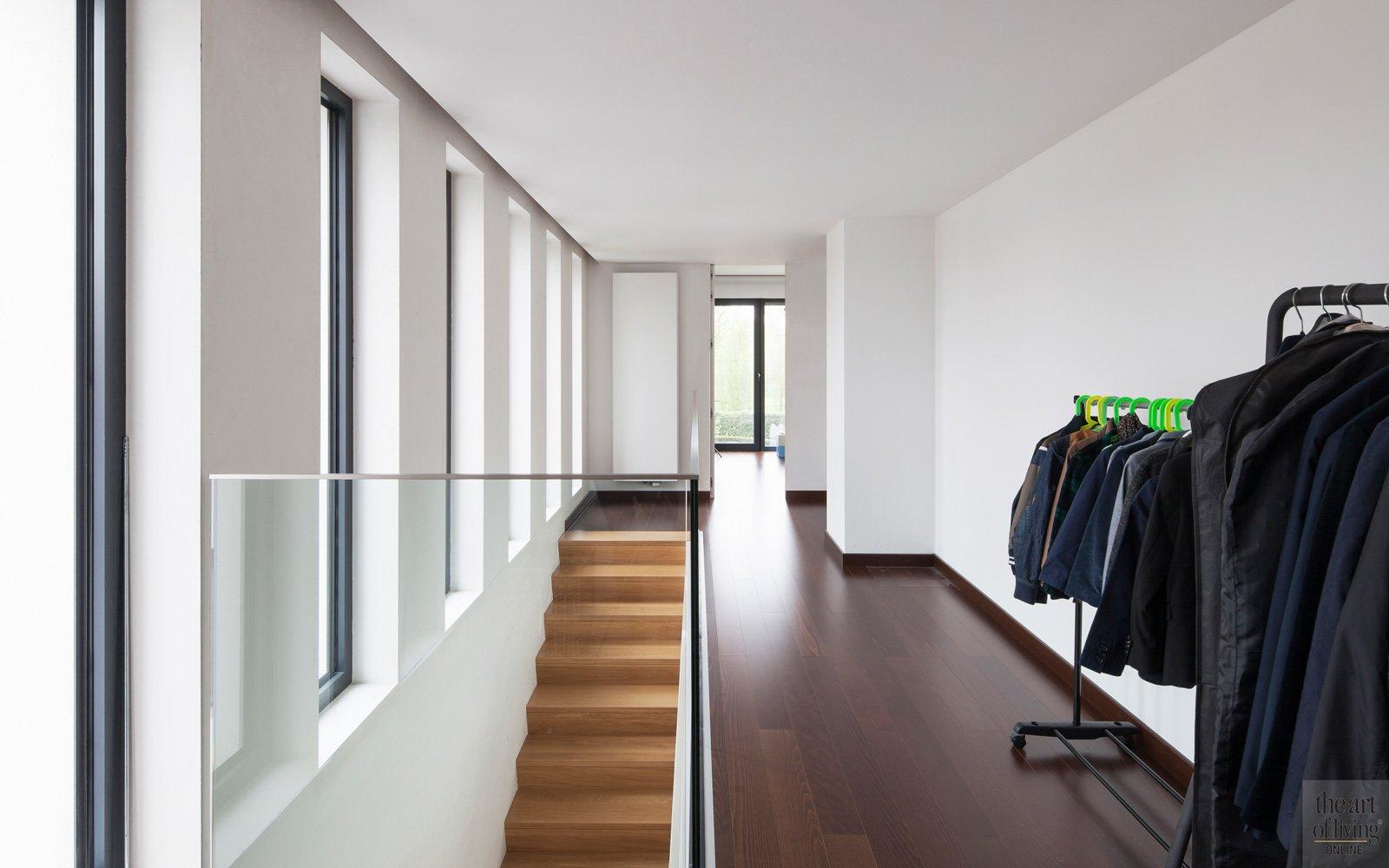 Bovenverdieping, overloop, houten trap