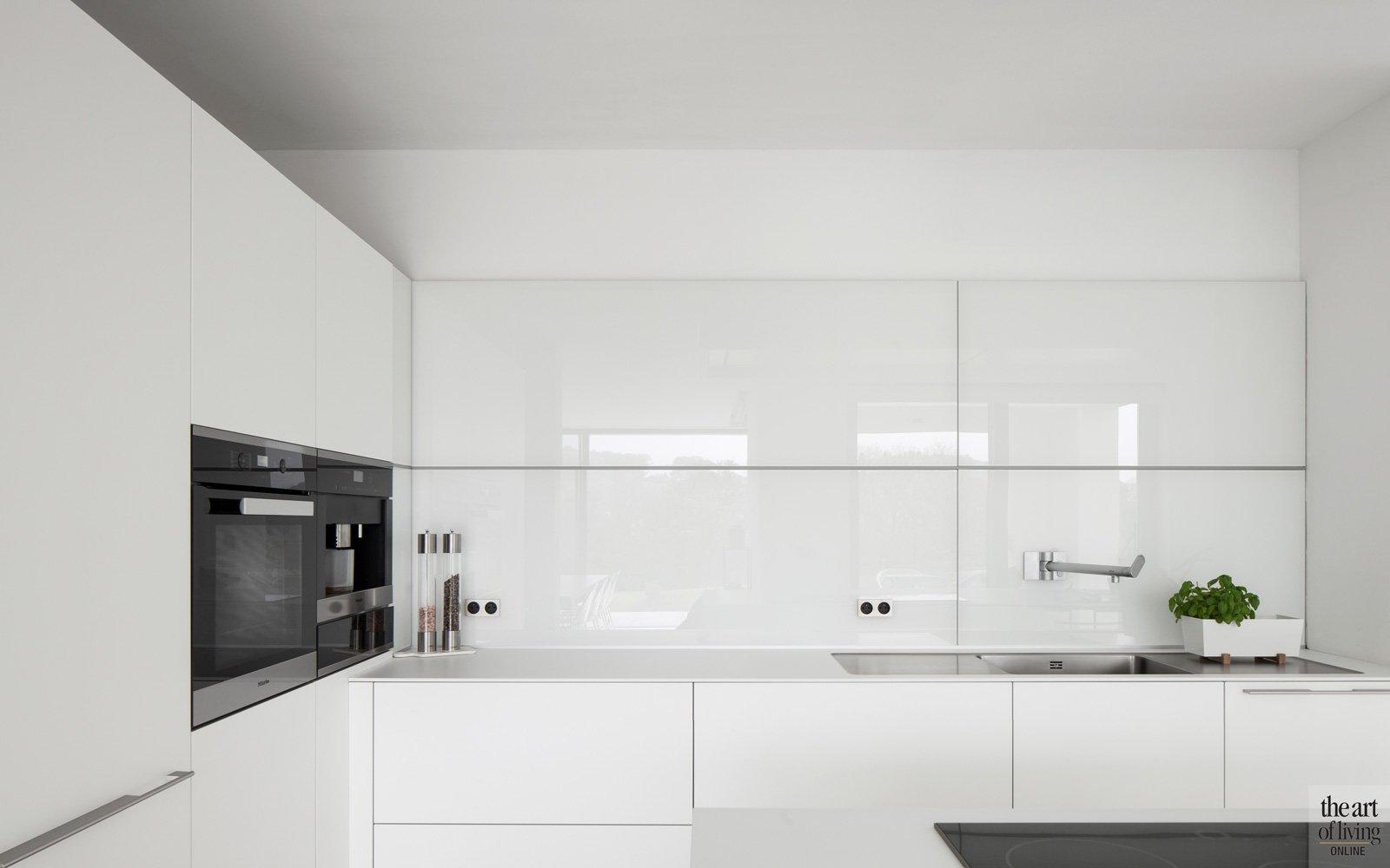 Strakke, witte keuken, Bulthaup