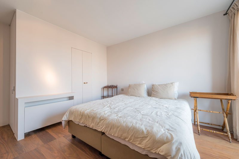 Slaapkamer, houten vloer, meerlaagse Notelaar Prime, bed, Klassiek & Romantisch, Bernard de Clerck