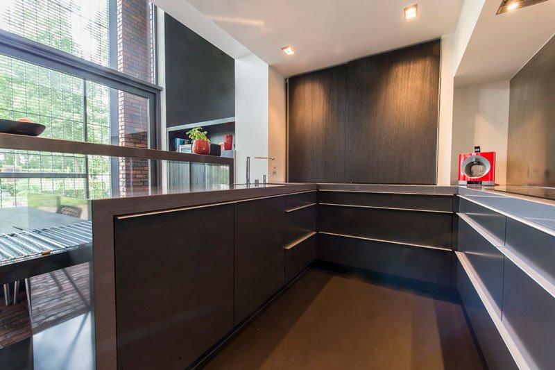 Keuken, zwart, chique uitstraling, Strak, BVV Architecten, hedendaagse villa