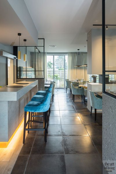 Bar, natuursteen, meubelatelier De Jaeger, maatwerk, Restaurant Chaflo & Co, Bouw-iD