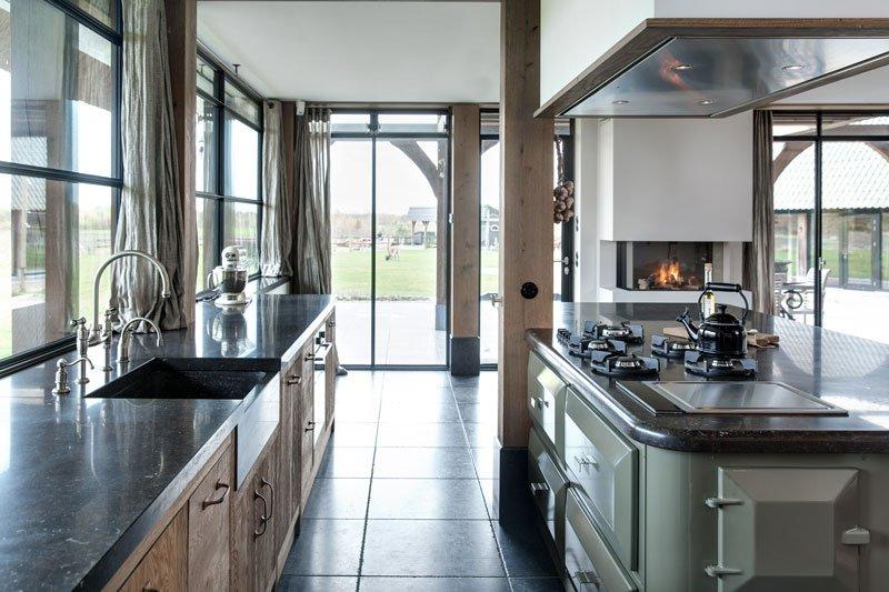Dauby, deurbeslag, houten keuken