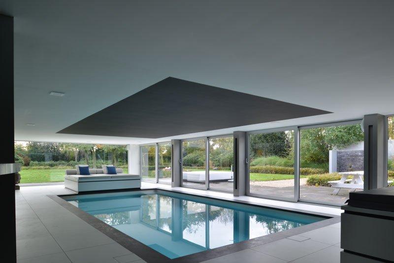 Zwembad, binnenzwembad, Luc de Schepper, wellnessruimte, moderne villa, VVR Architecten