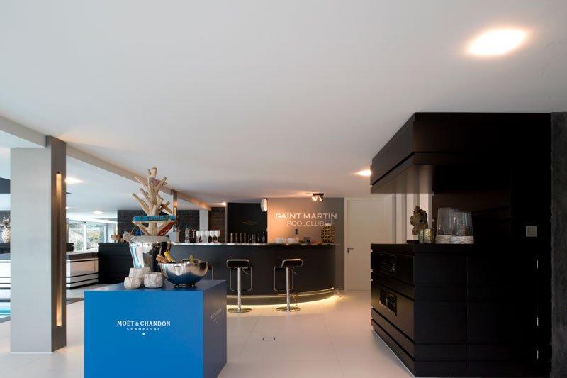 Wellnessruimte, bar, moët, zwembad, moderne villa, VVR Architecten