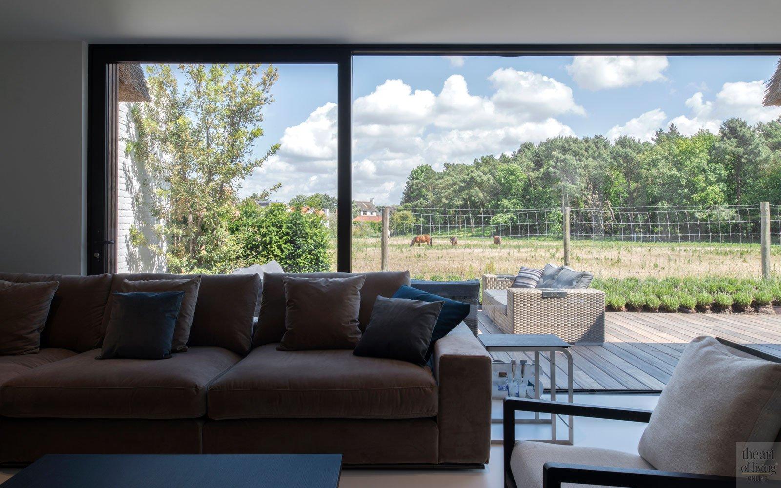 Woonkamer met fantastisch uitzicht, ruime villa, HC Demyttenaere