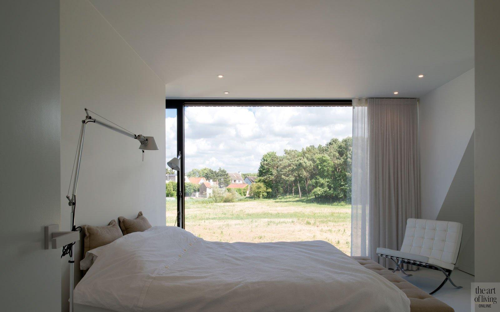 Slaapkamer, master bedroom, uitzicht, licht, ruime villa, HC Demyttenaere