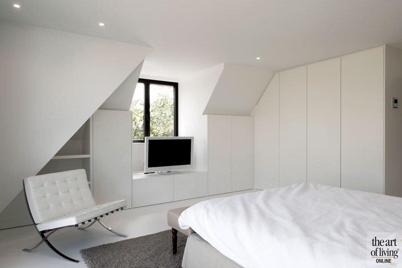 Slaapkamer, master bedroom, maatwerk kasten, wit, ruimtelijk, licht, ruime villa, HC Demyttenaere