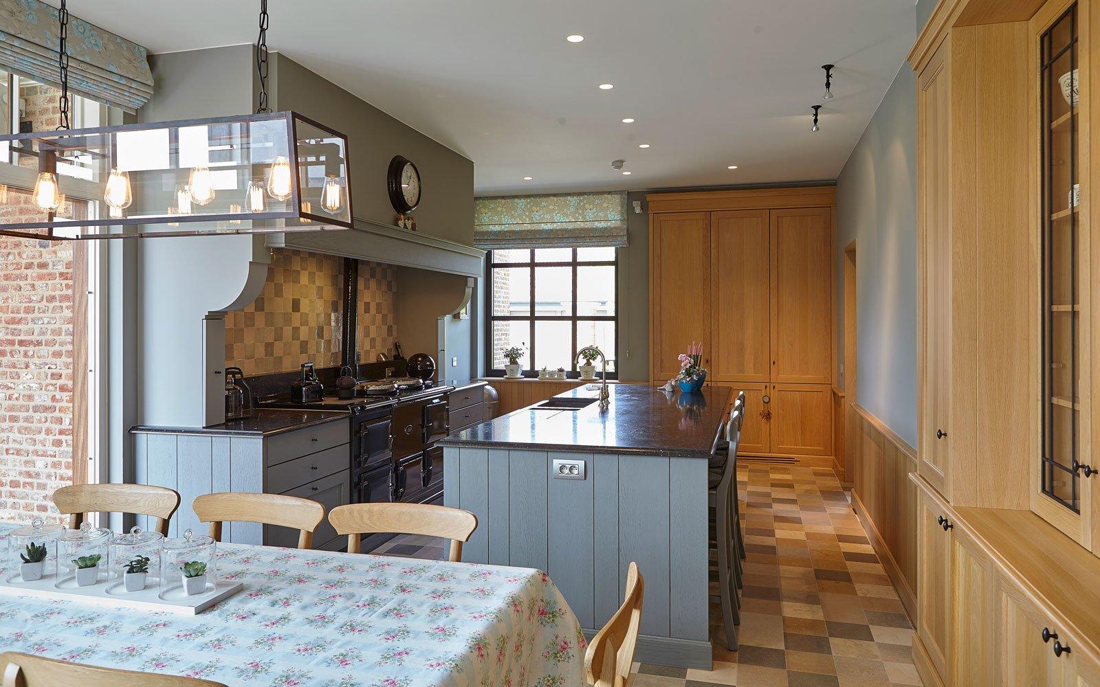 Keuken, maatwerk, kookeiland, Frank Tack Interieurbouw, eettafel, hout, Engelse cottage, Bart François