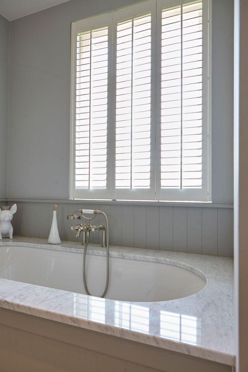 badkamer, bad, natuursteen, shutters, Jasno, sanitair, Tanghe Philip bvba, Engelse cottage, Bart François