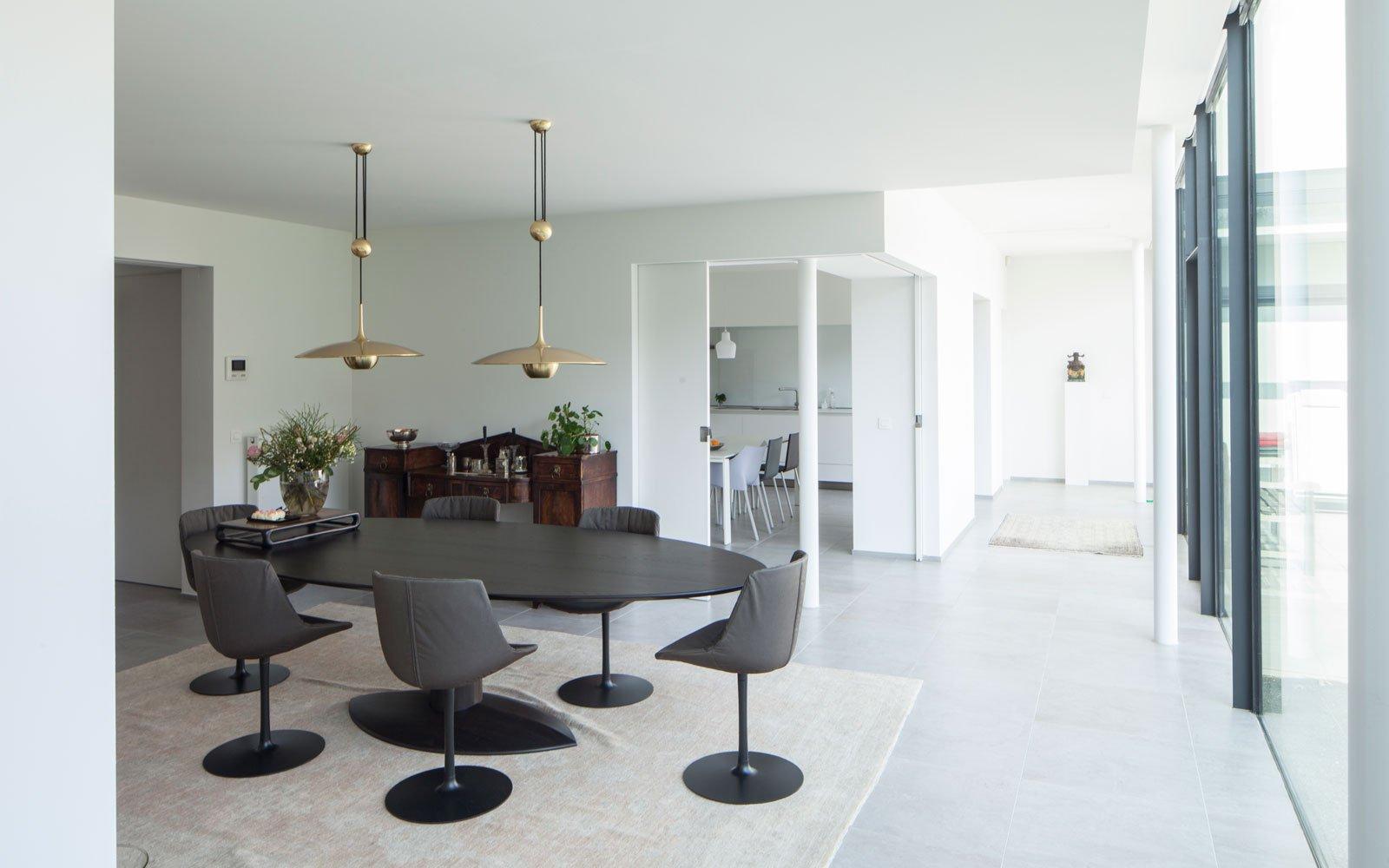 Woonkamer, ovalen tafel, Meynen Interieurarchitectuur, renovatie, p.ed architecten