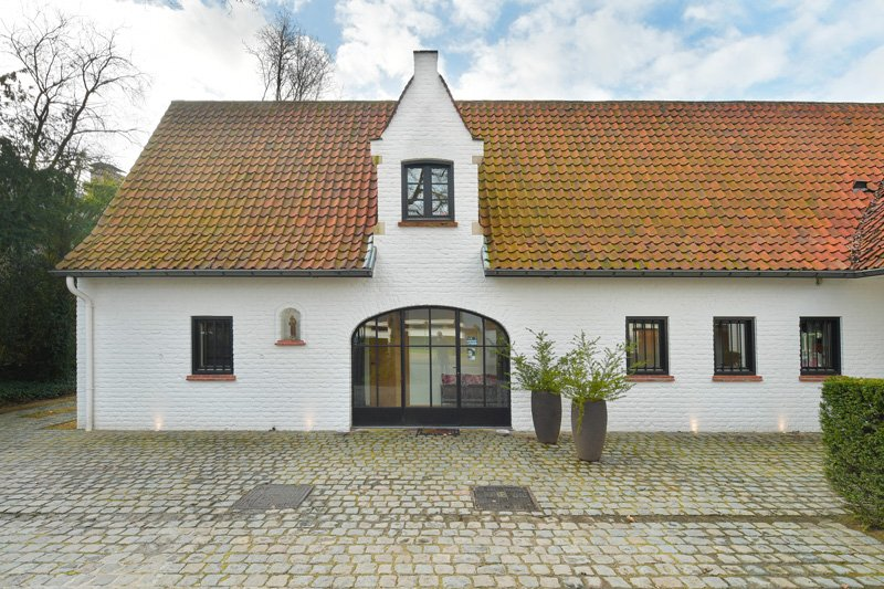 Landelijke woning, strak, verbouwing, gevel, oude paardenstal, Jurgen Weyne