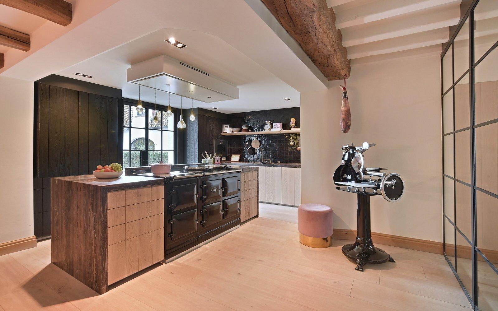 Keuken, Bulthaup, Ligna Recta, ruimtelijk, kookeiland, afzuigkap, landelijk, strak, Jurgen Weyne