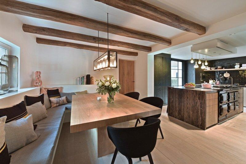 Keuken, bank, eettafel, houten tafel, Bulthaup, landelijk, strak, Jurgen Weyne