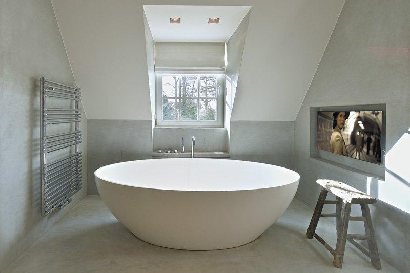 Badkamer, bad, vrijstaand bad, sanitair, Frederic Lambrecht, strak, landelijk, Jurgen Weyne