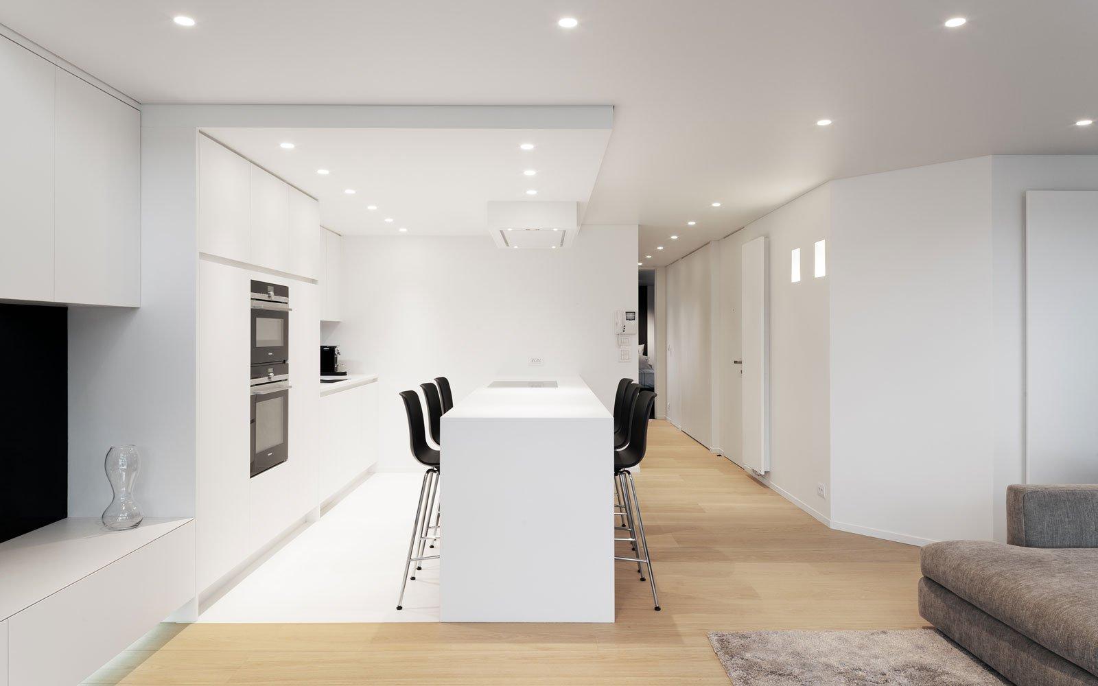 Keuken, AL-AL Keukens, strak en wit, Knokse Duplex, Stephan Gunst
