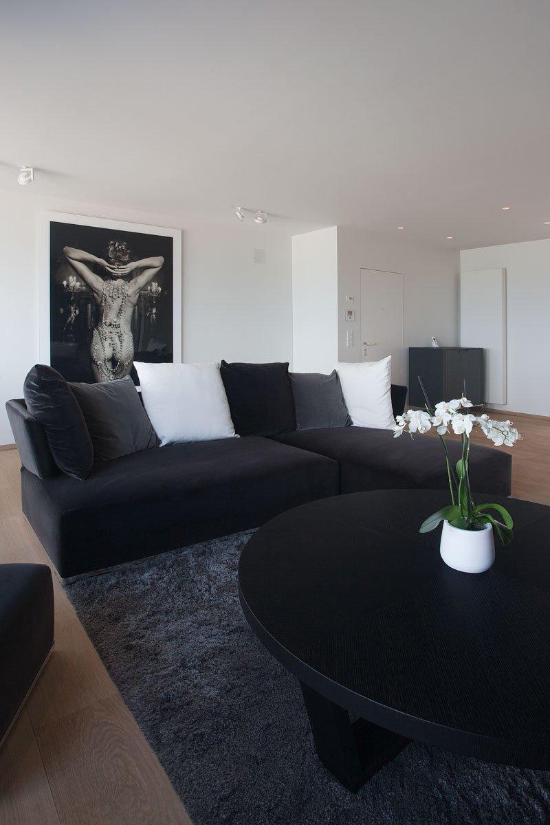 Appartement, zithoek, bank, neutrale kleuren, grijstinten, uitzicht, natuurlijk licht, droomappartement, Stephan Gunst