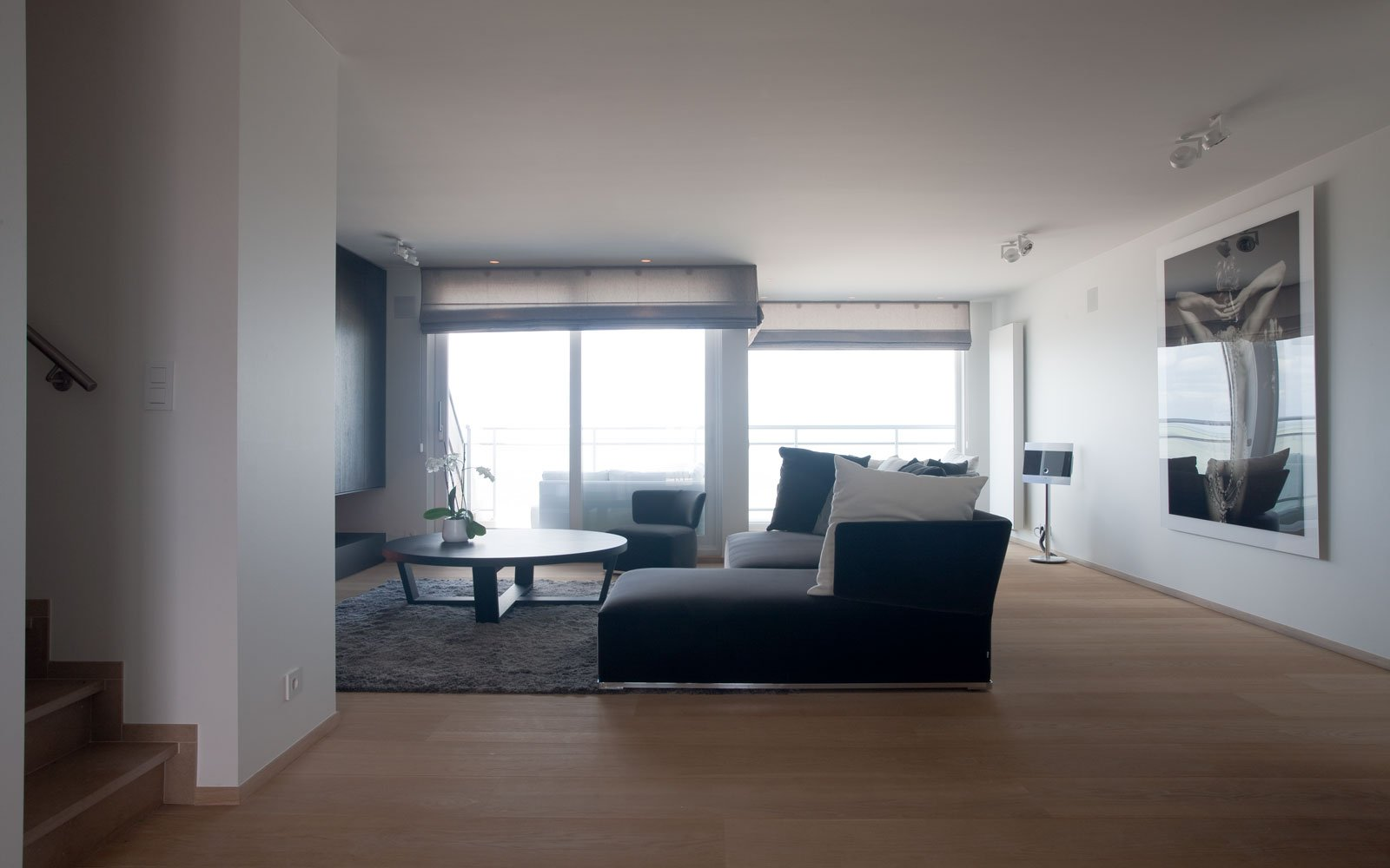 Appartement, woonkamer, loungebank, ontspannen, uitzicht, parketvloer, De Voogt Parket, droomappartement, Stephan Gunst