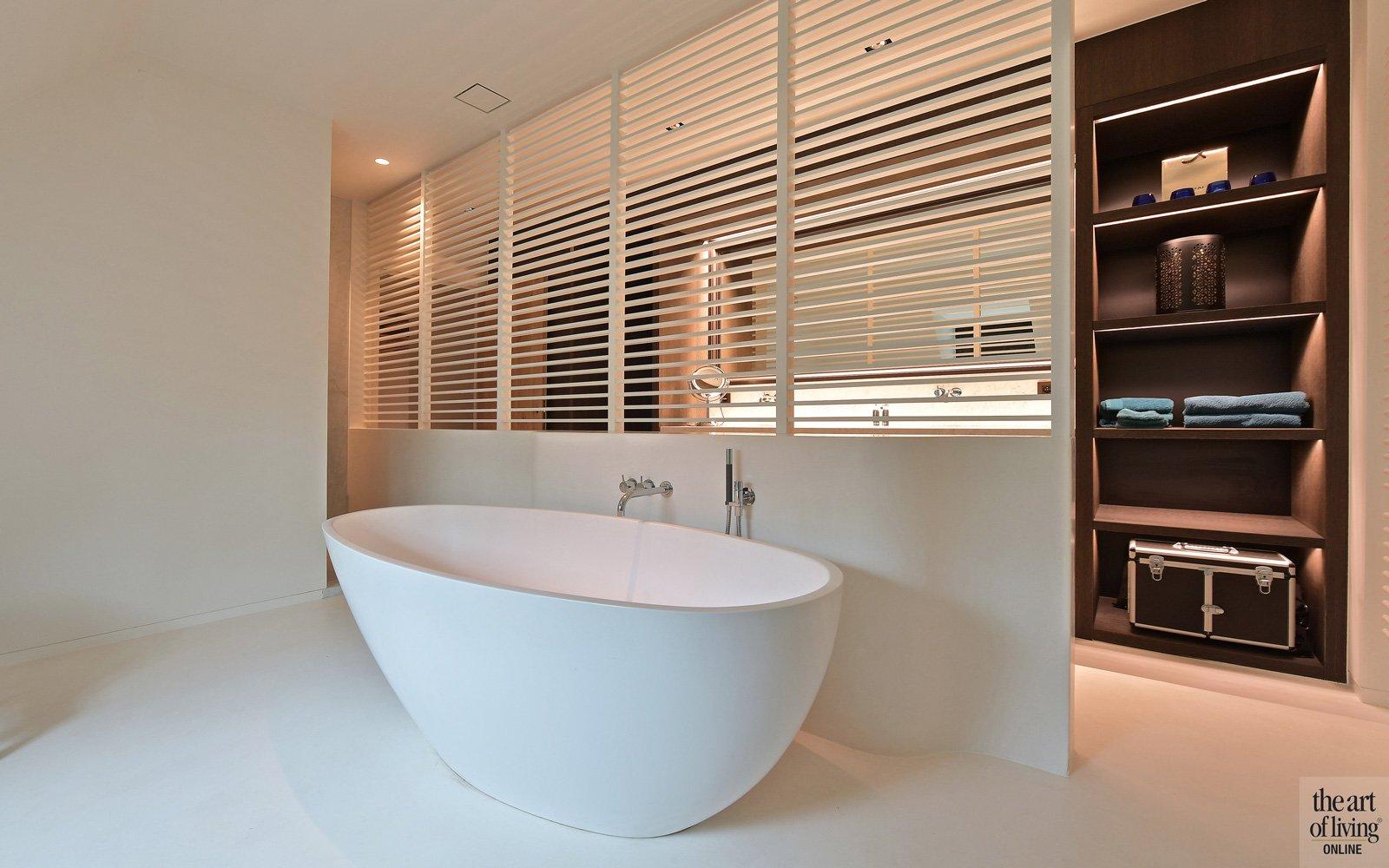 Badkamer, vrijstaand bad, shutters, bad, sanitair, klassiek modern, Jurgen Weyne