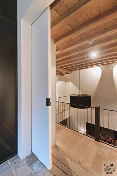 Bovenverdieping, trap, verlichting, balustrade, houten balken, klassiek modern, Jurgen Weyne