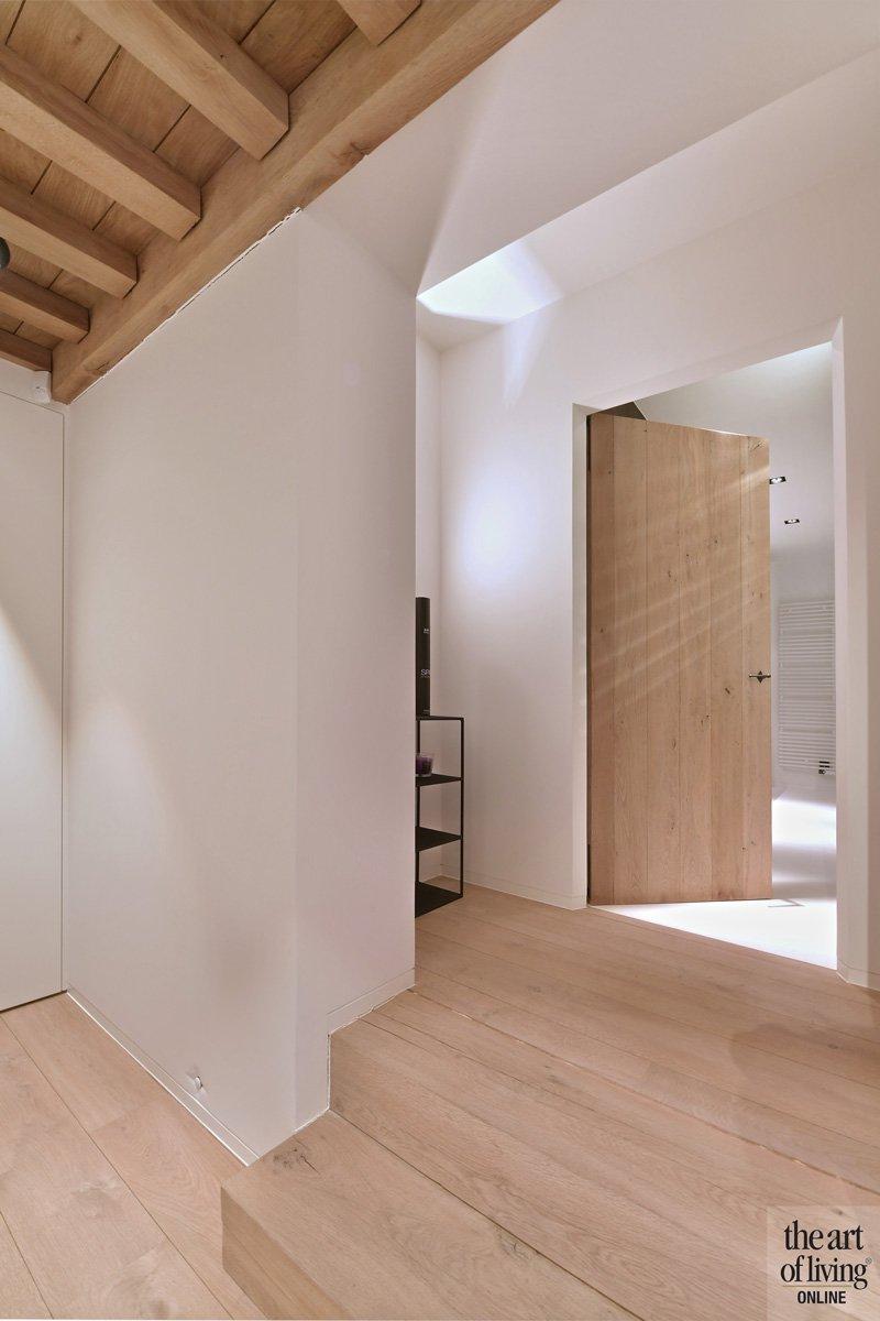 Hout, houten trap, natuurlijke materialen, klassiek modern, Jurgen Weyne