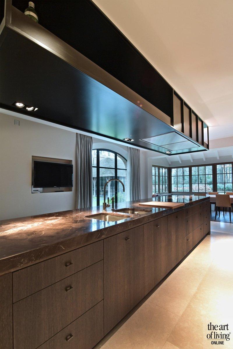 Keuken, eikenhout, staal, natuursteen, Beltrami, klassiek modern, Jurgen Weyne