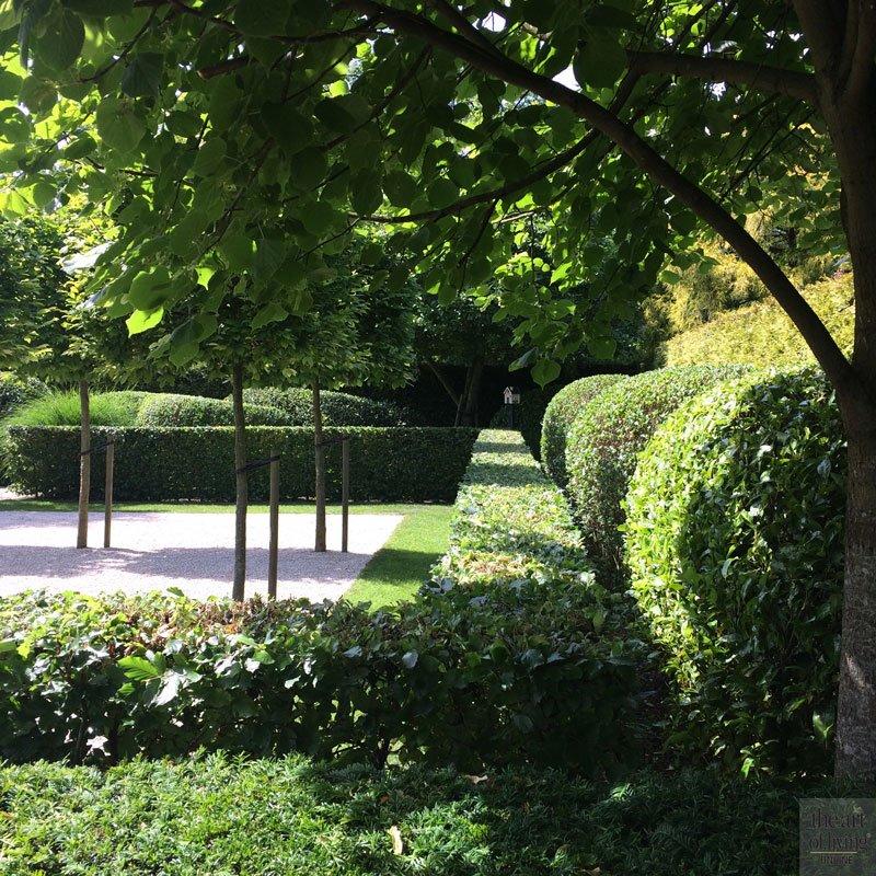 Strakke en organische tuin, Philippe Haseldonnckx, Boomkwekerij Wouters, Het Plantenhuis, Schillemans Sierbestrating