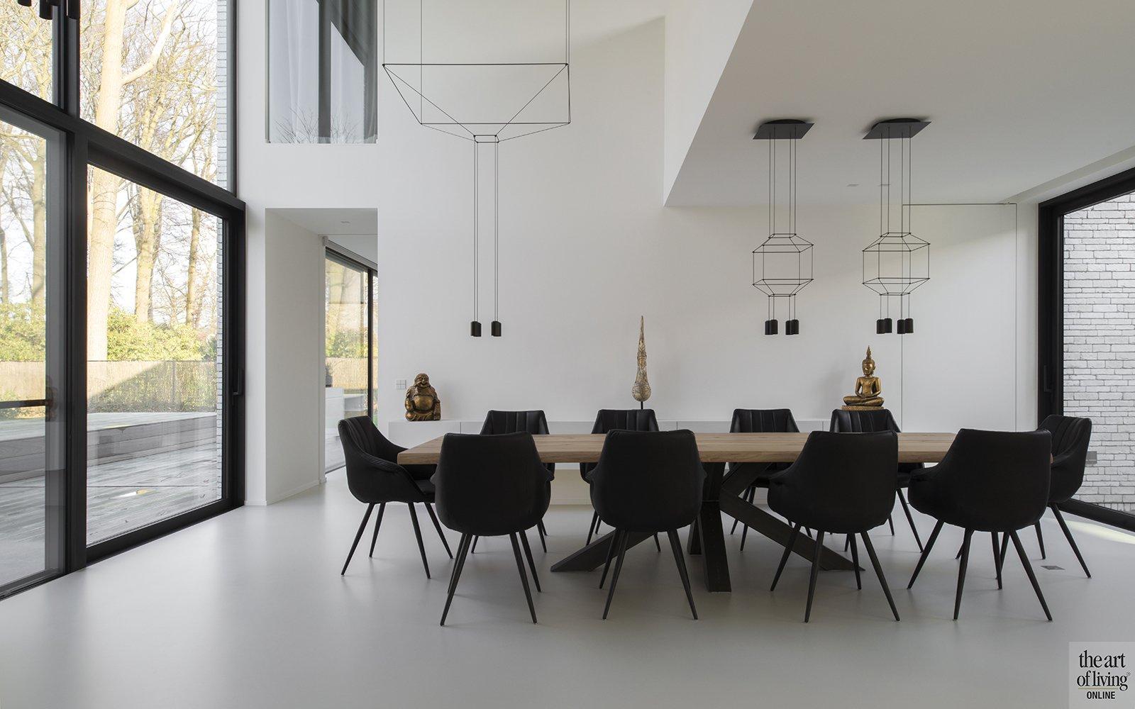 Eettafel, vide, Hoge plafonds, Gietvloer, Anja Vissers