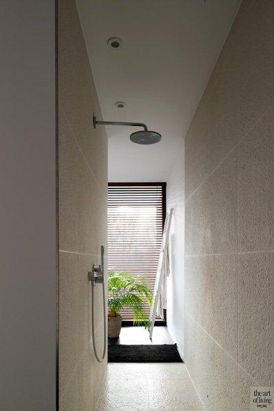 Badkamer, doorloopdouche, douche, regendouche, sanitair, Desco Wijnegem, Dave Pacquee, hedendaagse villa, Leers & Partners