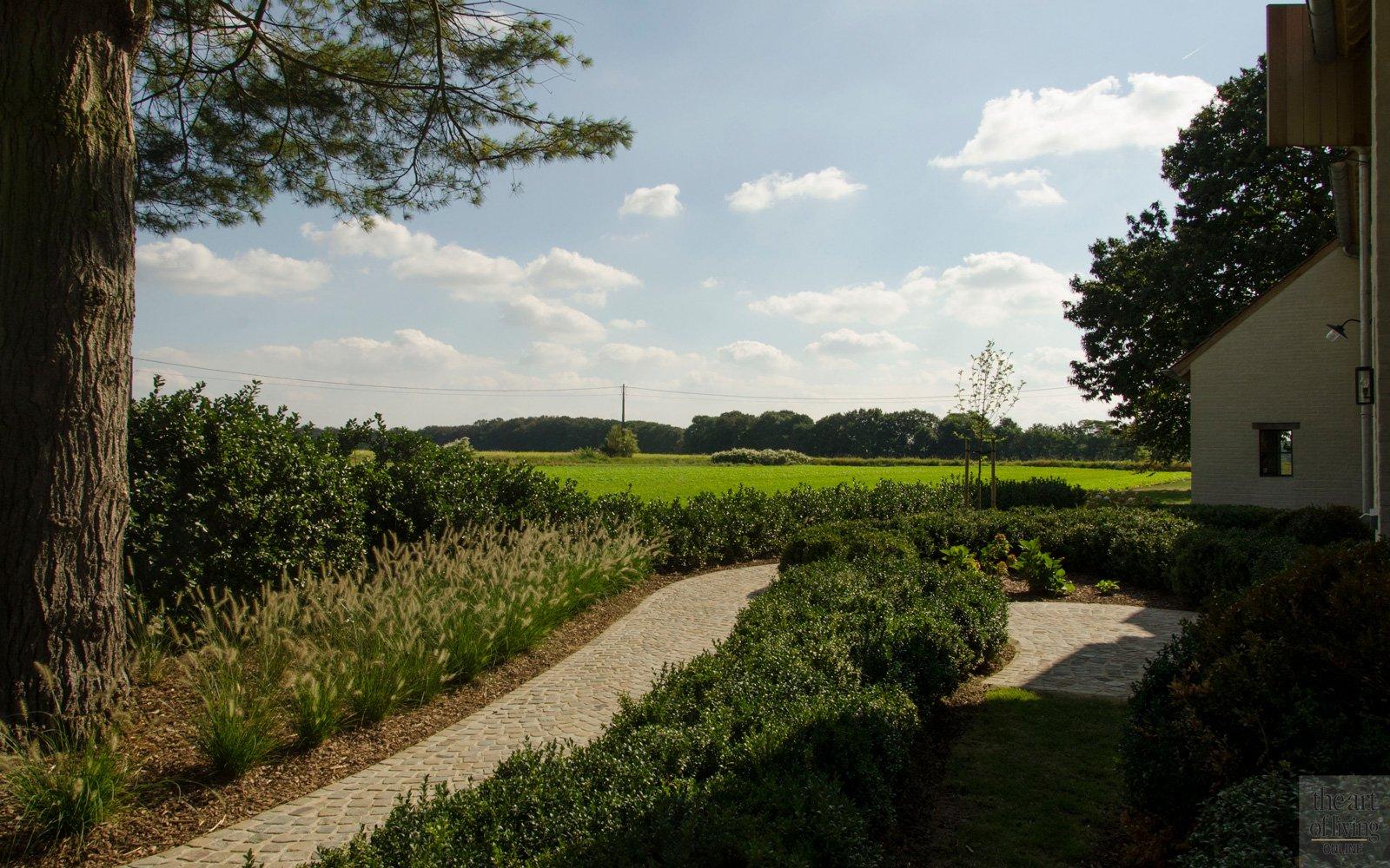 Landelijke ligging, prachtige omgeving, weids uitzicht, discrete tuin, Frederiek Snaet