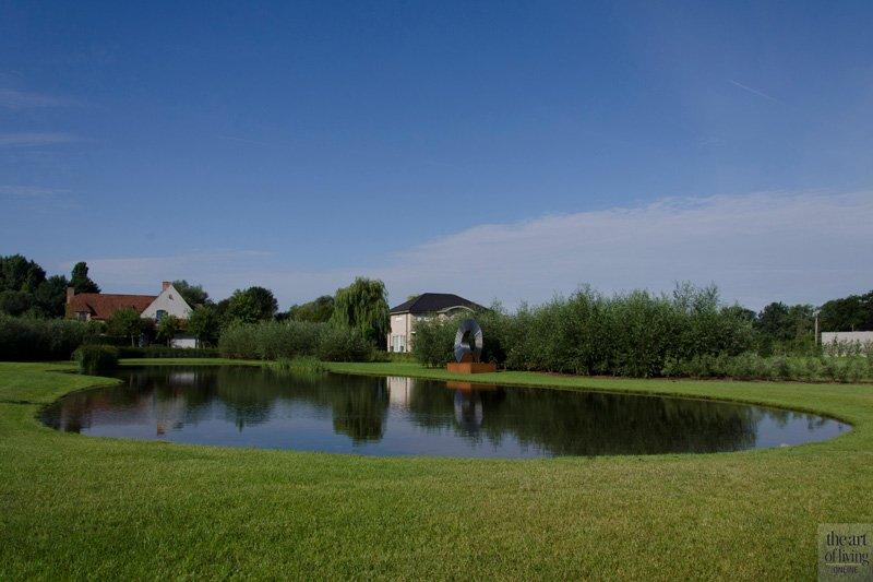 Vijver, kunst, tuin, landelijk, discrete tuin, Frederiek Snaet, tuinarchitect,