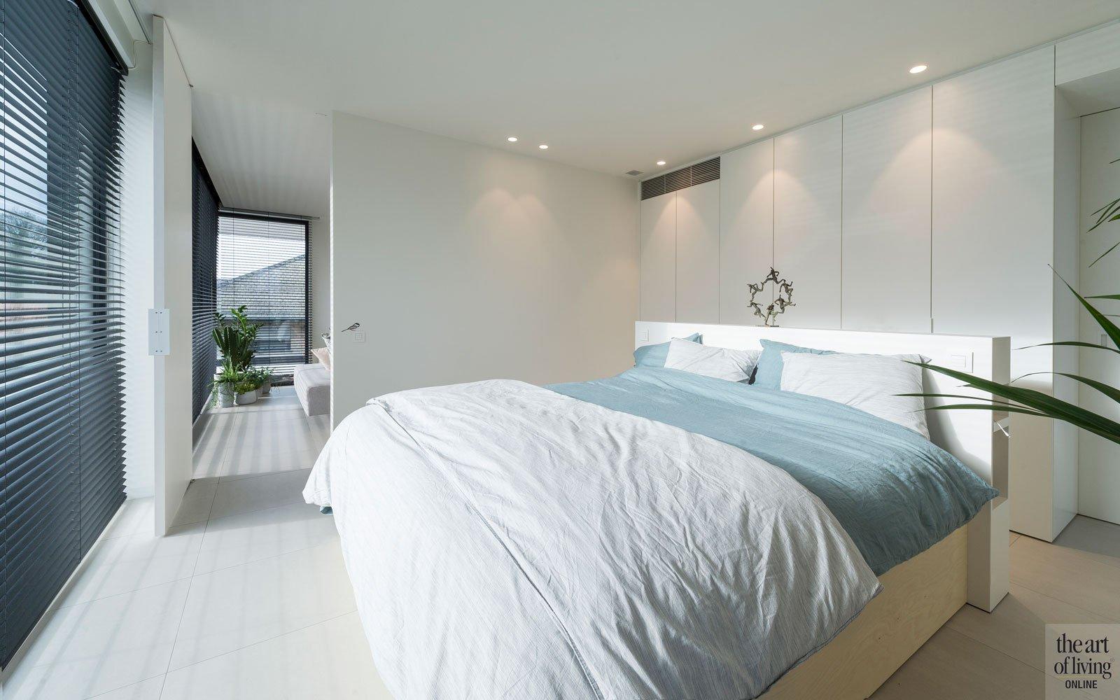 Appartement, slaapkamer, master bedroom, bed, grote ramen, groepspraktijk, Jelle Vandecasteele
