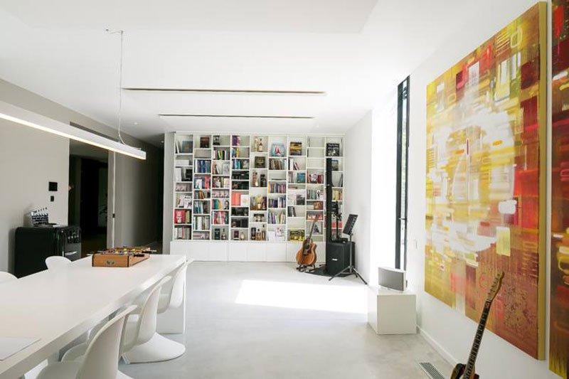 Witte tafel, strak, maatwerk, kast, Kantoorgebouw | icoon.be architecten
