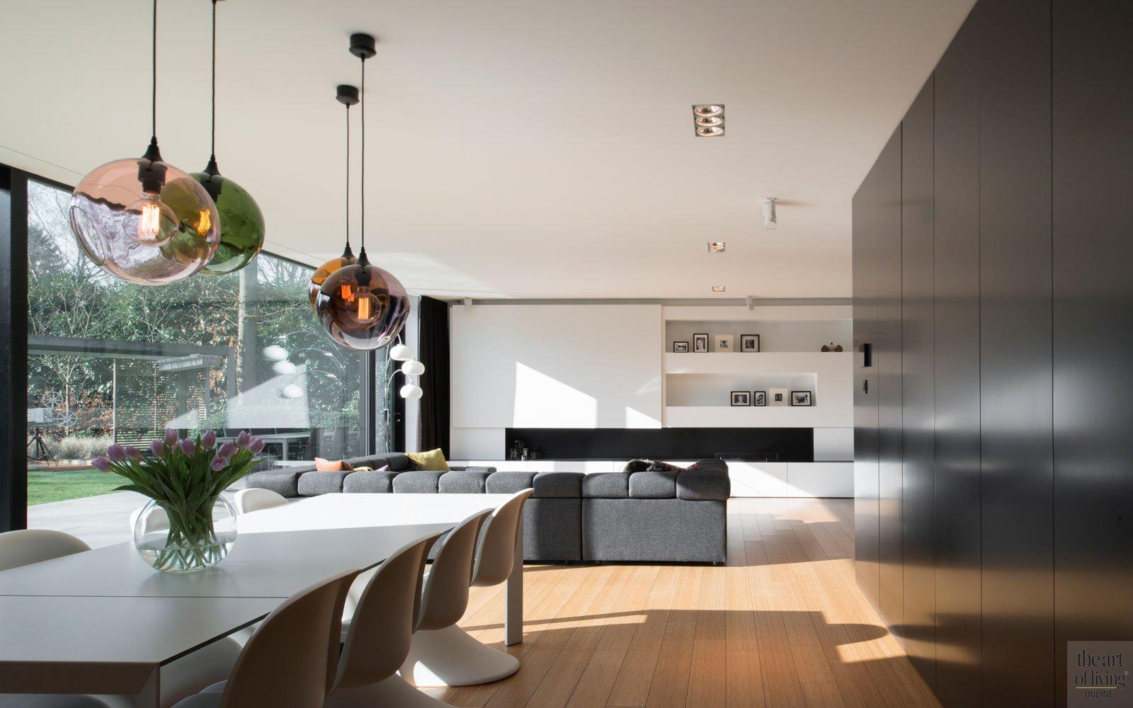 Woonkamer, living, houten vloer, eettafel, maatwerk kasten, Kantoorgebouw | icoon.be architecten