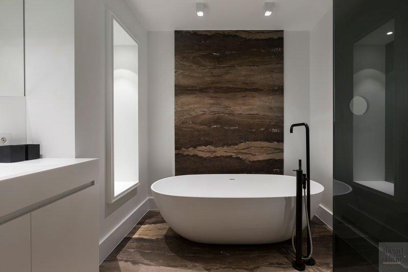 Badkamer, bad, vrijstaand bad, kraan, VOLA, Jee-O, modern appartement, designByAnke