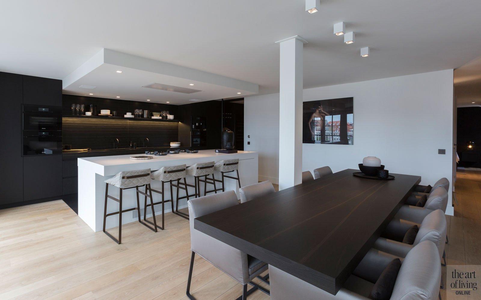 Keuken, maatwerk, Studio Lijnen en Partners, eetkamer, houten vloer, modern appartement, DesignbyAnke