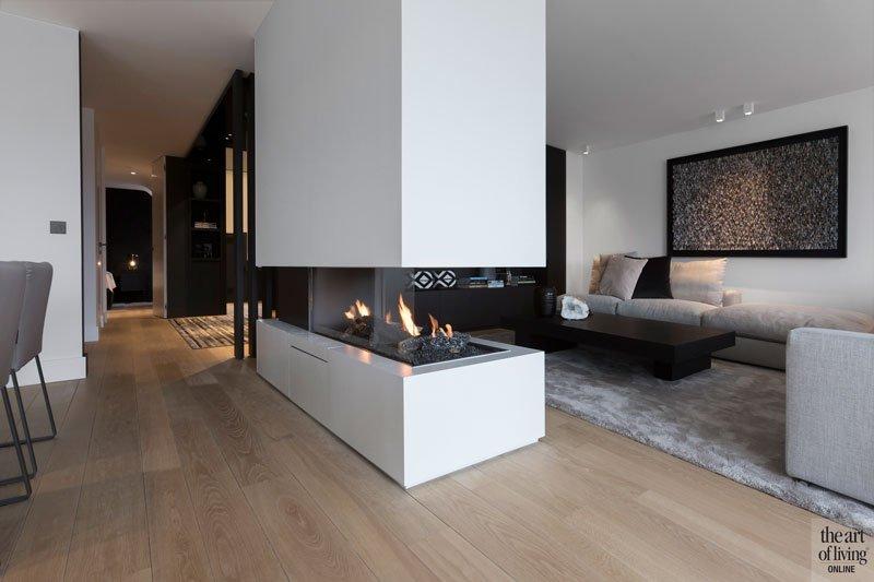 Zithoek, woonkamer, living, open haard, doorkijkhaard, modern appartement, DesignbyAnke