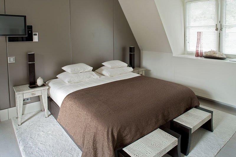 Slaapkamer, bed, master bedroom, riante villa, Leeflang Architectuur