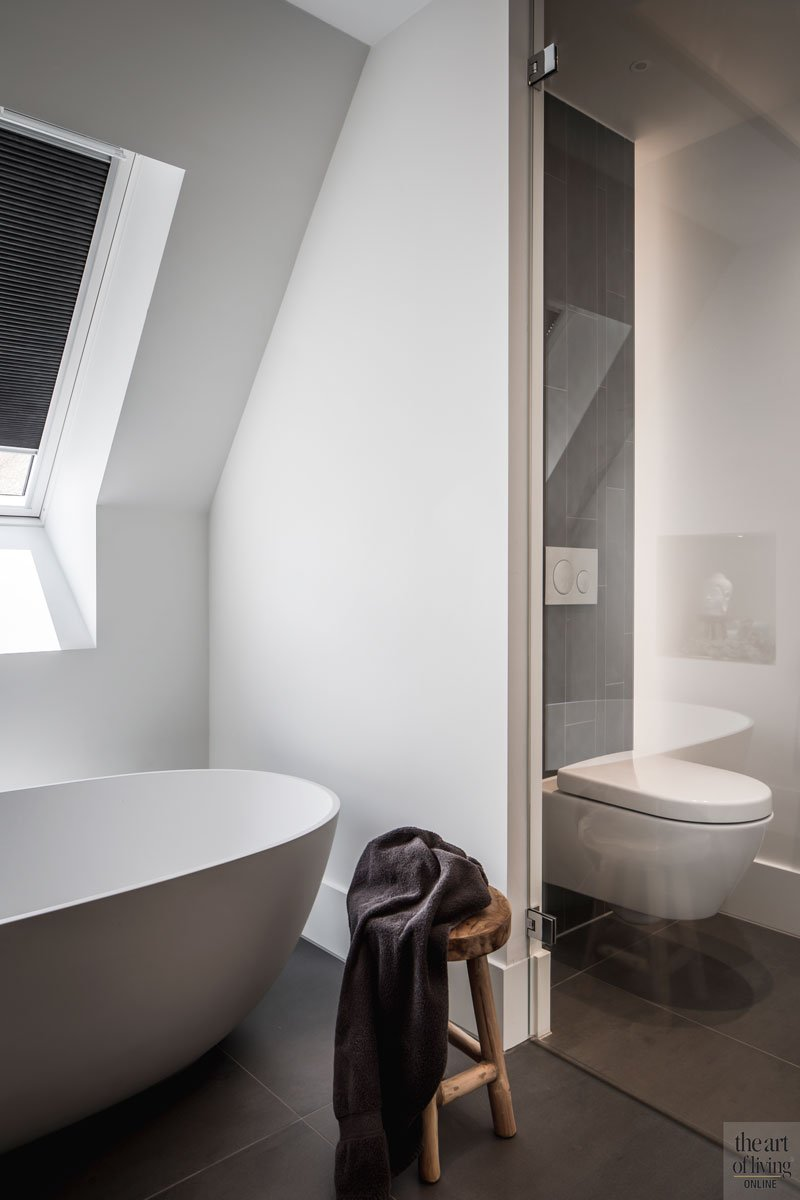Badkamer, bad, toilet, glazen wand, sanitair, landelijke nieuwbouw, Kabaz