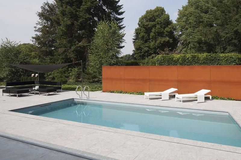 Zwembad, terras, tuinmeubelen, wellness, relax, ontspannen, zwevende villa, Lab32 architecten