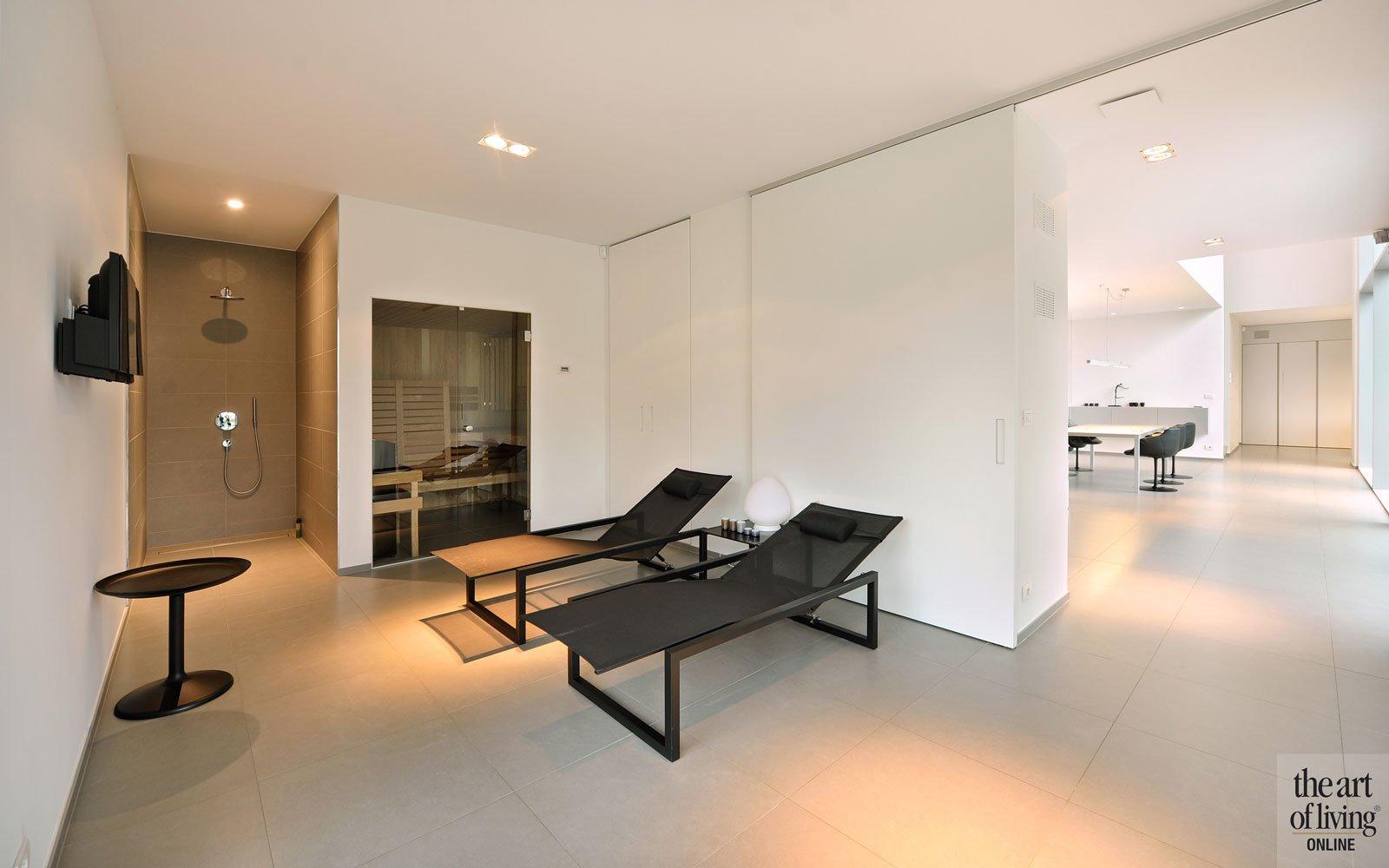 Wellness, sauna, inloopdouche, relaxruimte, makkelijk bereikbaar, tegelvloer, symmetrische woning, Schellen Architecten