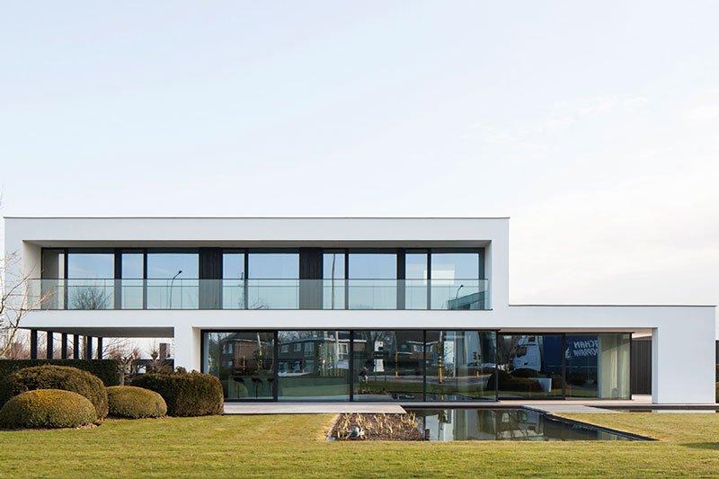 Architectenburo Berkein, hedendaagse villa, modern, raampartijen, berkein, geert berkein, The Art of Living Online