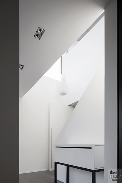 Minimalistische hal, Villabouwer Dumobil, Architect Architectenburo Berkein, Interieurarchitect Philip Simoen