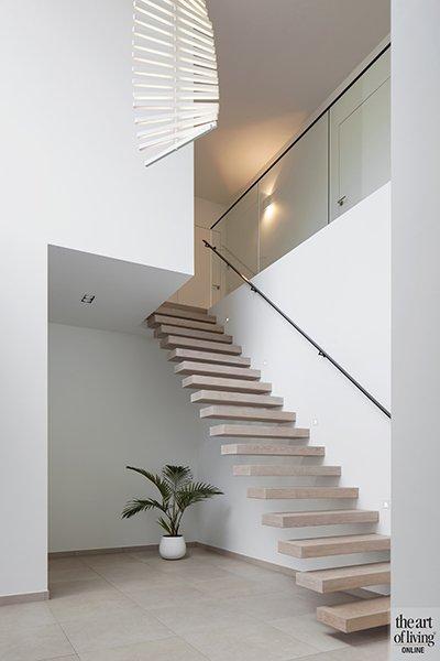 Architectenburo Berkein, hal, trappenhuis, strak, modern, hedendaags, exclusief, The Art of Living Online