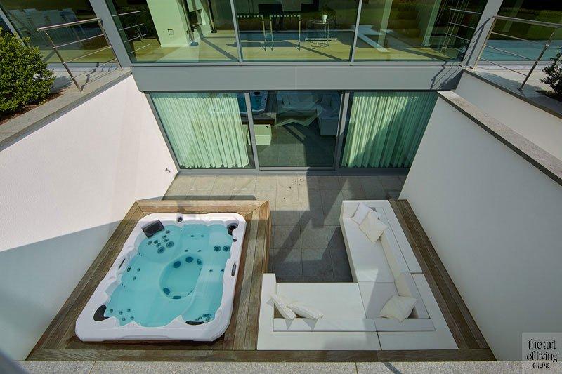 Jongensdroom, Schellen Architecten, the art of living, Jacuzzi, whirlpool, bad, luxueuze badkamer, exclusief, design