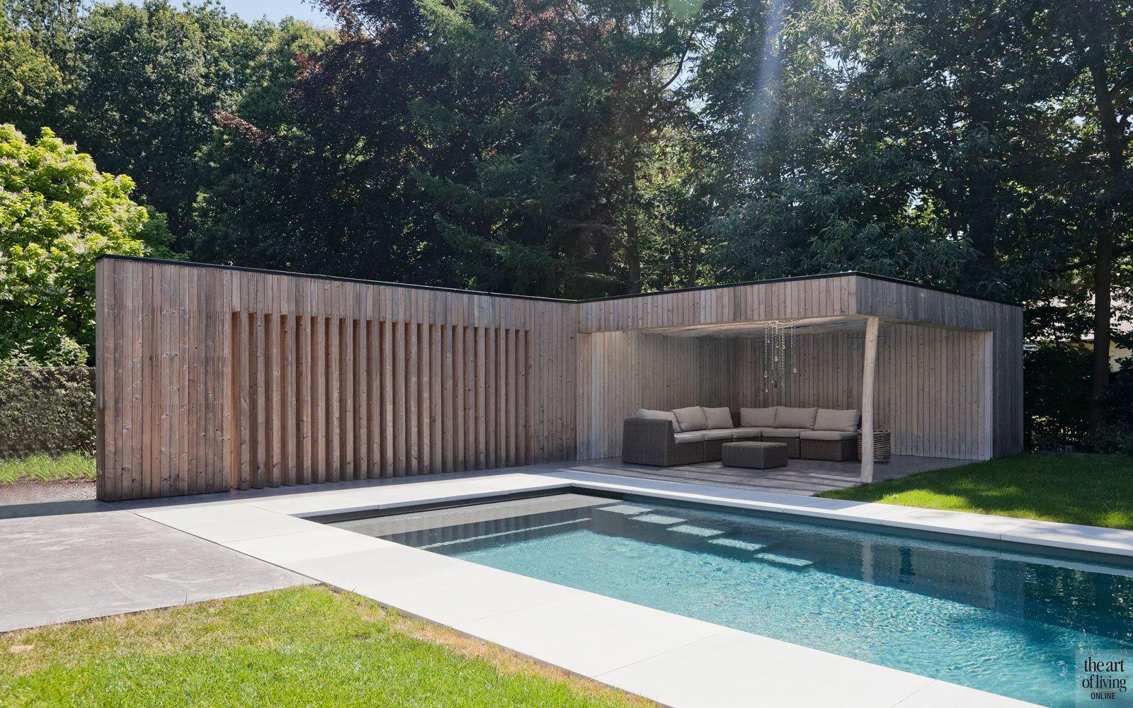 Traditionele woning, Arjaan de Feyter, the art of living, zwembad, zwembaden, buitenzwembad, swimming pool, pool, exclusief